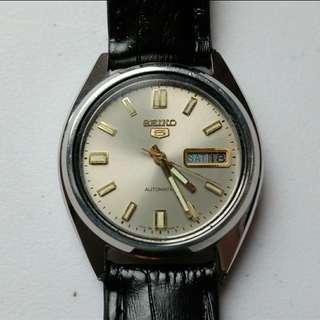 Seiko 5 dress watch   omega dw orient fossil citizen