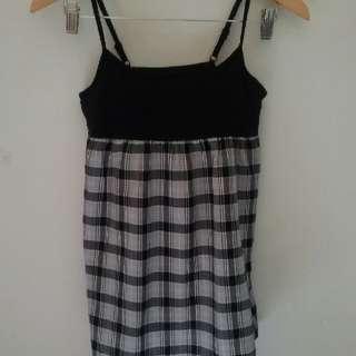 Uniqlo monochrome mini dress