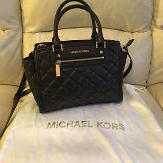 《100%正貨》Michael Kors 黑色格紋皮手袋