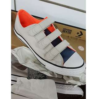Sepatu anak Converse Junior (boy)