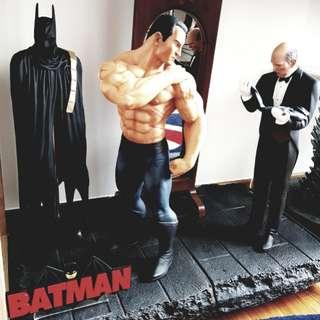 """Batman Alex Ross """"Scars"""" diorama statue"""