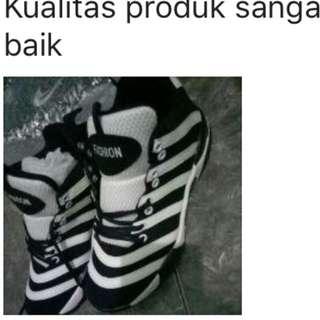 Sepatu adidas zebra import bagus sneakers olahraga lari futsal dll