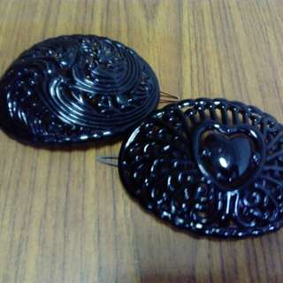 2 New vintage lady's hairbun-clip