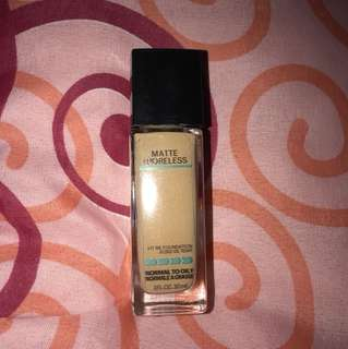 Maybelline Fit Me matte foundation shade 128 warm nude