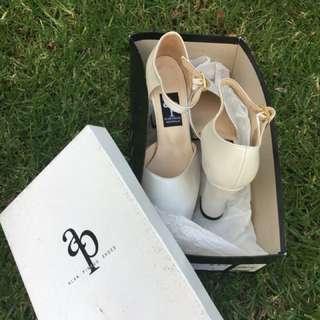 Alan Pinkus Size 6.5 brand new