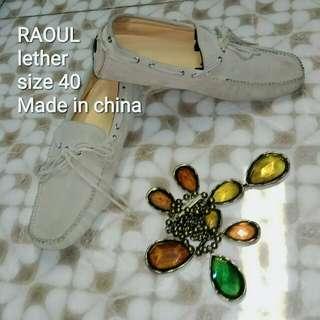 Sepatu Raoul