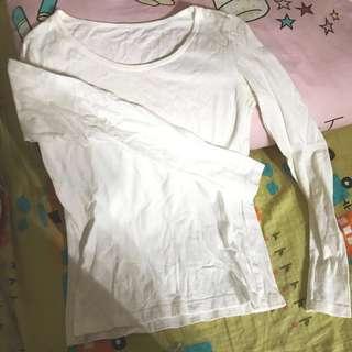 白色打底衫🦄️