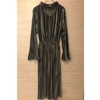 墨綠金絲絨壓條紋V領腰帶洋裝