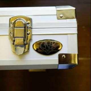 🚚 CNB 壓克力 鋁底展示箱