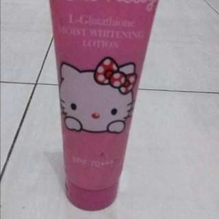 Hello Kitty Glutathione Moist Whitening Lotion