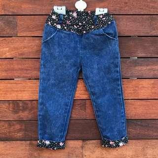 Girls floral cuffs denim jeans size 3-4