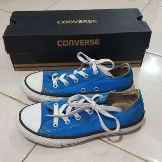 Sepatu Converse kid electric blu