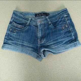 Folded shorts