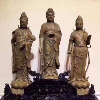 Agarwood沉香雕刻摆件。西方三圣收藏品。价格不贵。高度是50厘米。加底座是60厘米
