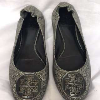 Flat Shoes By Tory Burch (authentic)