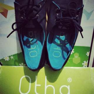 Sepatu Sneaker kets hitam