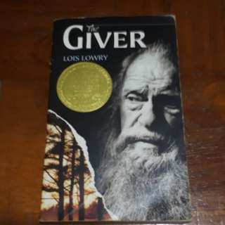 The Giver - Lois Lowry ; Young Adult Book