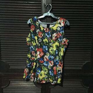 Shapes Floral Blouse - Medium