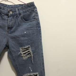 🚚 破褲-牛仔褲