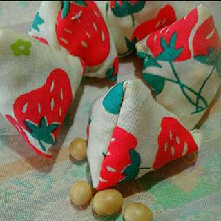 Strawberry surprise!  Assorted Designs And Patterns In Per Pack   Five Stones Batu Seremban  Children Party Favours Five Stones old School Kampong Game   For Your Child, even boys!  Five Stones pouches with Yellow beans.   Each Pack