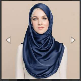 Tudung People Maysaa Navy L