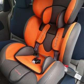 Minimoto 嬰兒/幼兒汽車座椅- 橙灰色