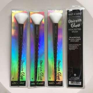 Wet N Wild Unicorn Highlighting Brush