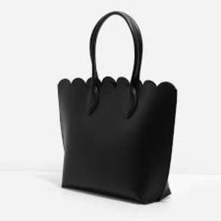 BNWT: AUTHENTIC Charles and Keith CHARLES & KEITH BLACK SCALLOP EDGE TOTE Selling $55! If Fast Deal $48! (Please ignore BUMP PRICE)