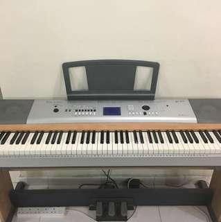 Yamaha digital/electronic piano (negotiable price)