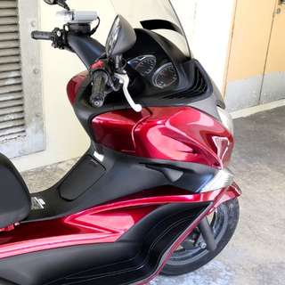 Maroon Honda Silverwing 400 (PRICE NEGOTIABLE)