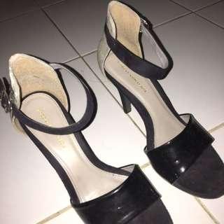 Yongki komaladi heels ori