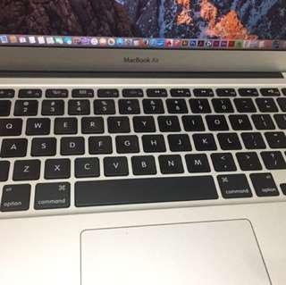賣電腦 💻 MacBook Air