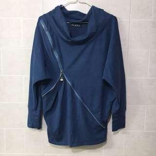 灰藍長身衫