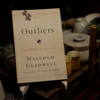 Outliers: The Story of Success Paperback – June 7, 2011 by Malcolm Gladwell