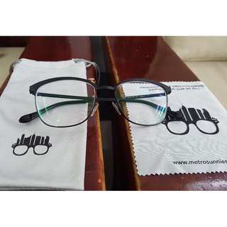 Metrosunnies eyeglass