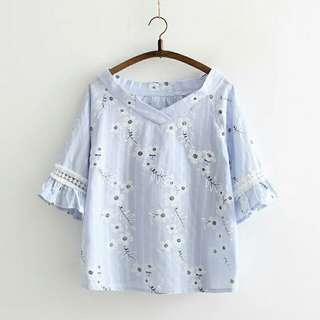 Floral Japanese style cute top
