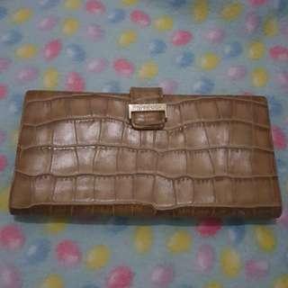 Original ysl wallet! In good condition!