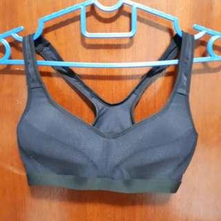 Uniqlo black Sports Bra size S