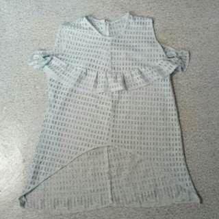Long-back blouse