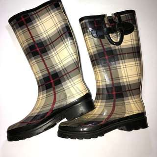 Checkered rain boots