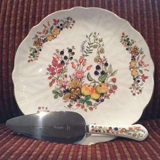 Vintage Aynsley Somerset cake plate