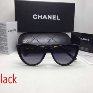 Im selling Authentic Chanel Shades cats eye!