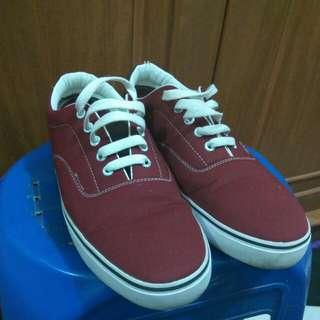 Sepatu - Maroon - size 42