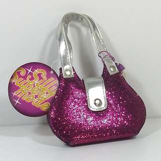 Silly the Gifts (Netherlands) 	閃閃手袋指甲夾套	Manicure set Purse glitter