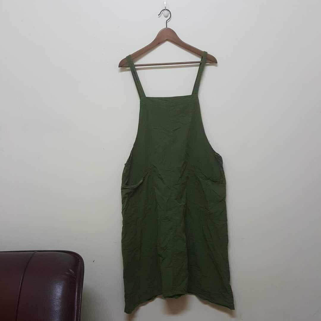 墨綠色童趣吊帶裙#新春八折