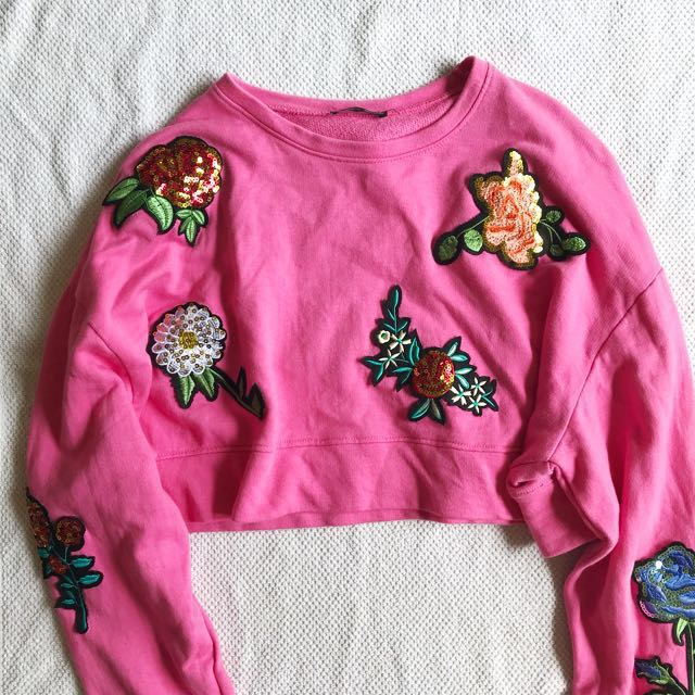 💗 zara pink oversized sequins floral cropped pullover top  df38a8ac117