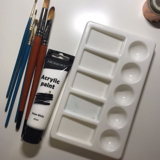 ASSORTED ART SUPPLIES