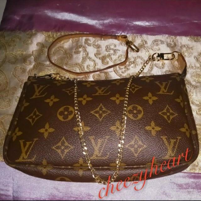 94ed5d92ab Final price reduced 💯Authentic Louis Vuitton Monogram LV Pochette ...