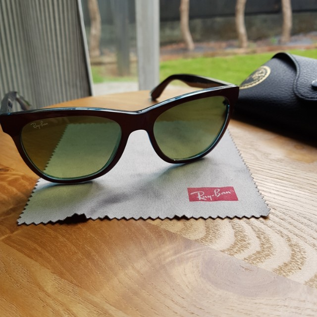 Authentic Raybans wayfarer