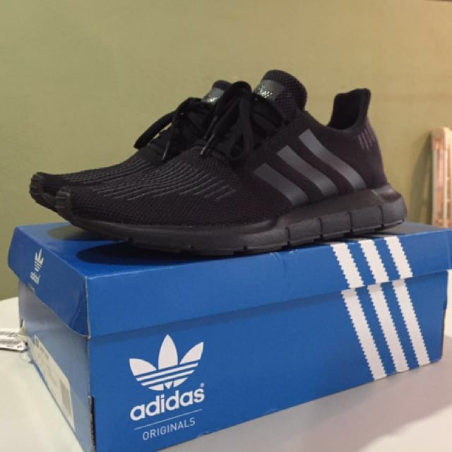 47e04c3548cc Authentic triple black Adidas Swift Run